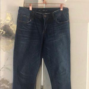 Dark jeans 🌼